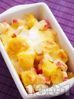 Запечени картофи с яйце, кашкавал и рулца от раци - снимка на рецептата